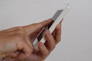 深爪の人の指の使い方 スマホ